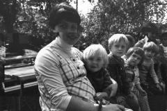 1979 Školka na procházce