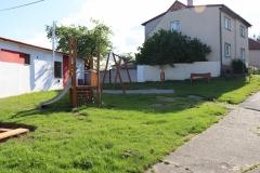 Dětské hřiště u fotbalového hřiště